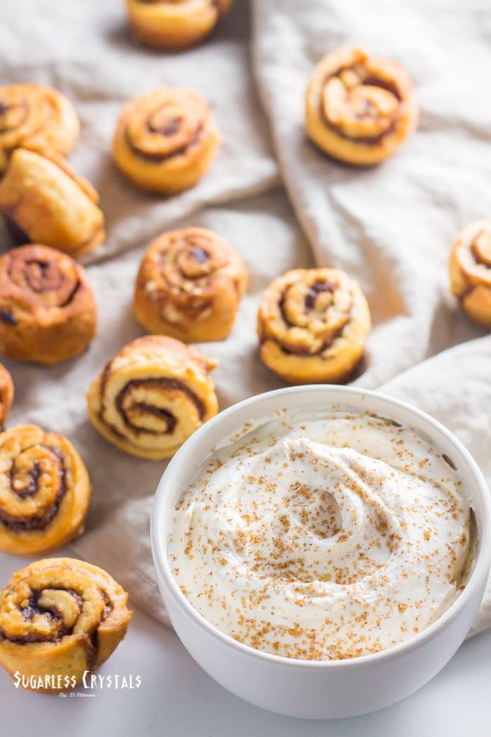 Cinnamon Roll Low Carb Cream Cheese Dip (Keto Friendly, Sugar Free)