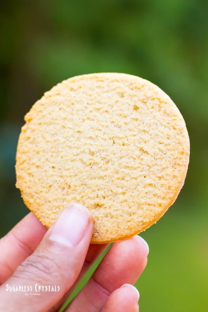 BisKeto cookies almond flavor