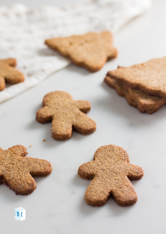 Keto gingerbread cookies that are Christmas trees and gingerbread men