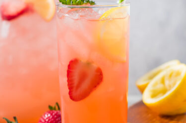Keto Strawberry Lemonade