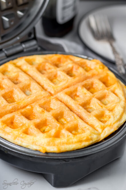 Keto Chaffle Recipe For Breakfast And Dinner (2 Ways)